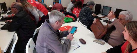 Voluntarios para talleres informaticos y dispositivos digitales para mayores