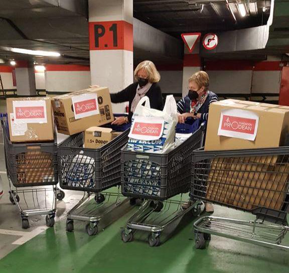 monjas-sor-angela-de-la-cruz-donacion-comida-menores-fundacion-prodean-cadiz